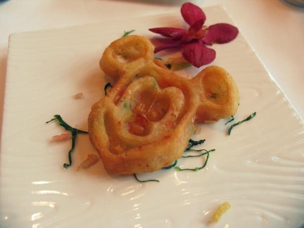 Hong Kong disneyland hotel food