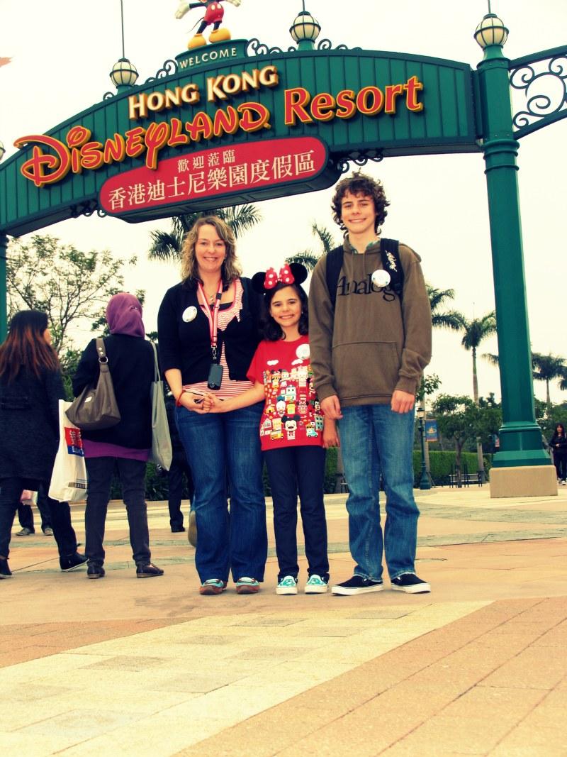 Hong kong disneyland family trip