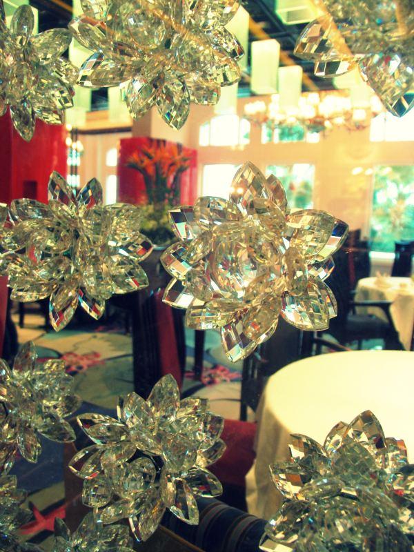 Hong kong disneyland crystal lotus restaurant