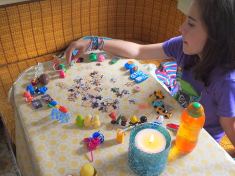 Kinder surprise collection play