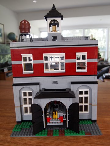 Modular lego fire brigade back