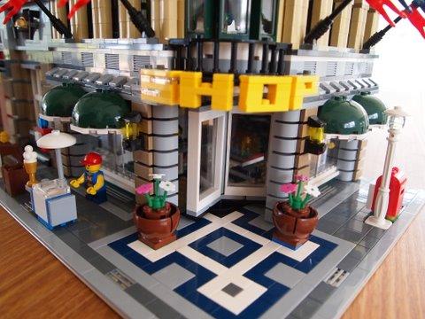 Modular lego emporium details