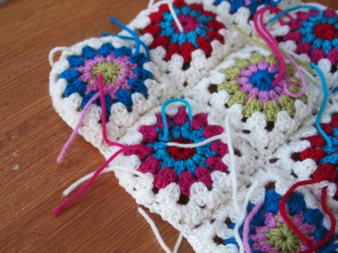 Starburst cushion crochet