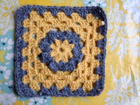 Ganchillo simple de Erika Knight.spanish crochet book. :0)