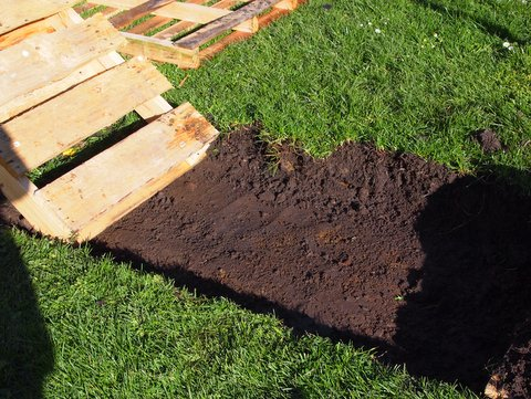 Building a pallet path digging