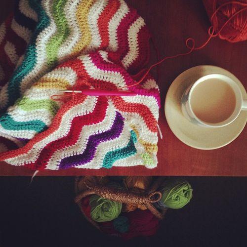 Ripple-along blanket