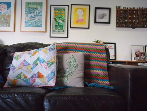 Granny stripe blanket lounge