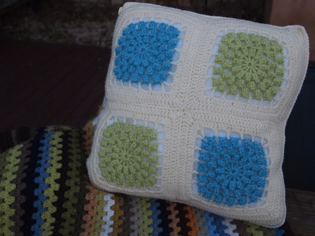 Popcorn cushion finished