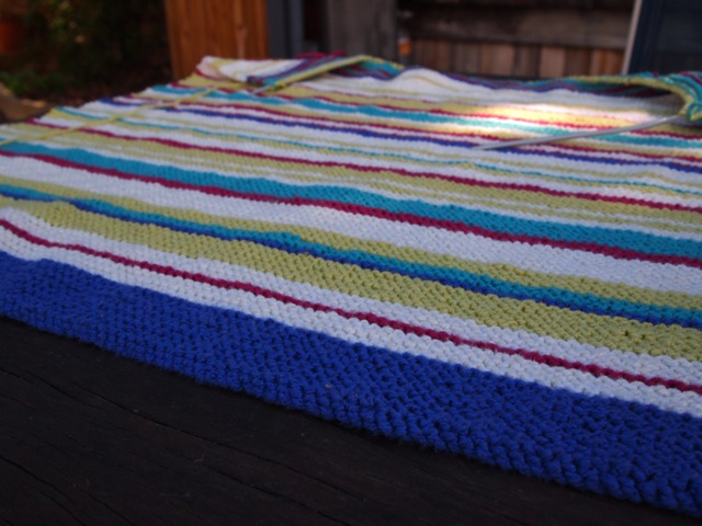 Easy knitted baby blanket