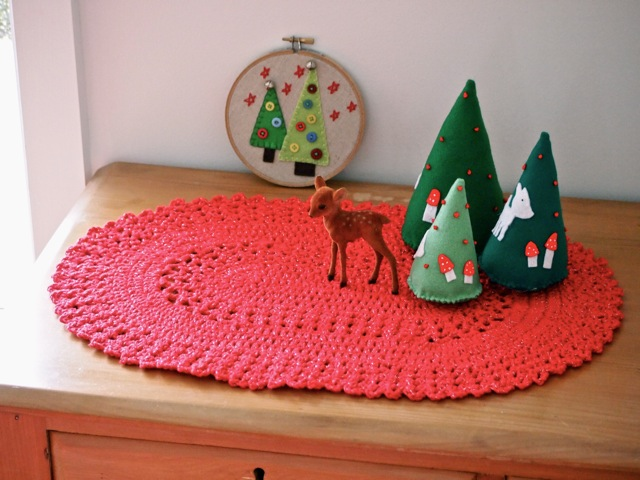 Christmas table runner crochet