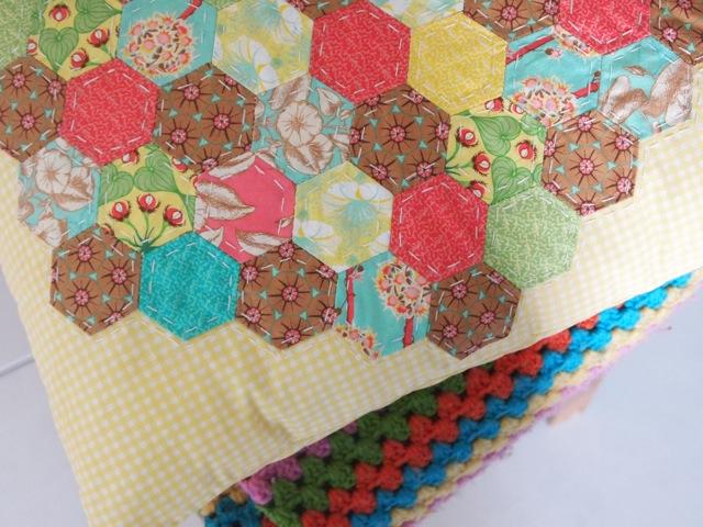 Hexagon cushion 2