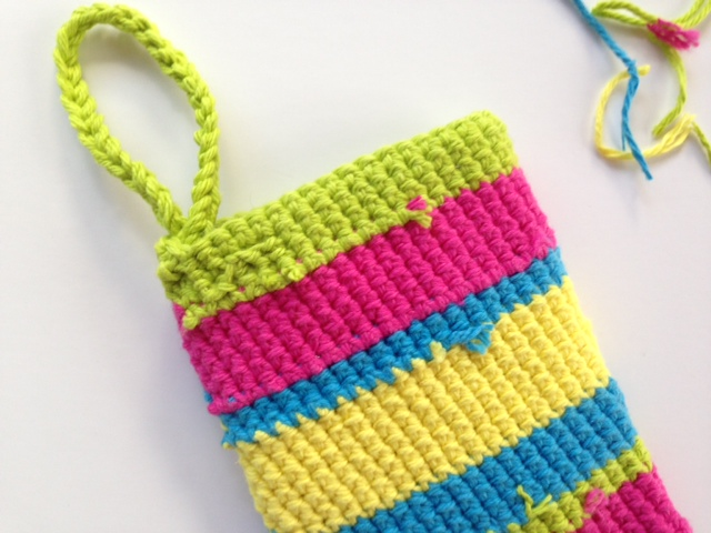 Crochet shower mitt step 11