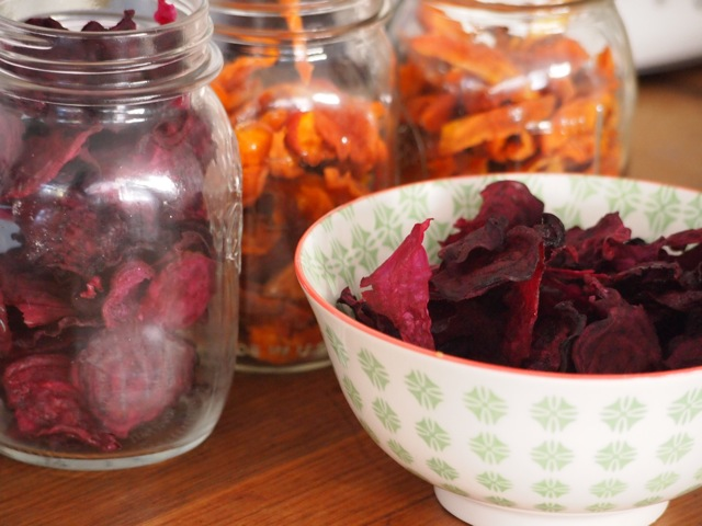 Dehydrating beetroot apricot