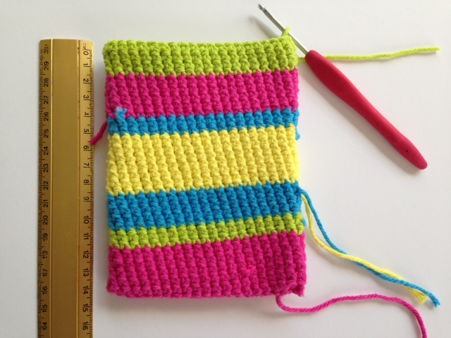 Crochet shower mitt step 7