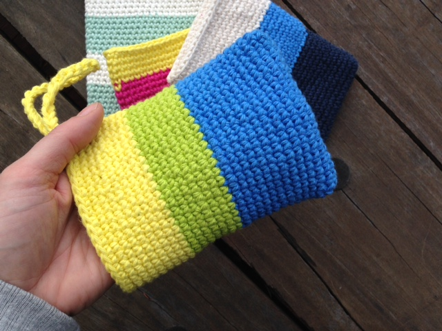 Crochet shower mitt 3