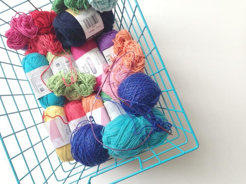 Destashing yarn