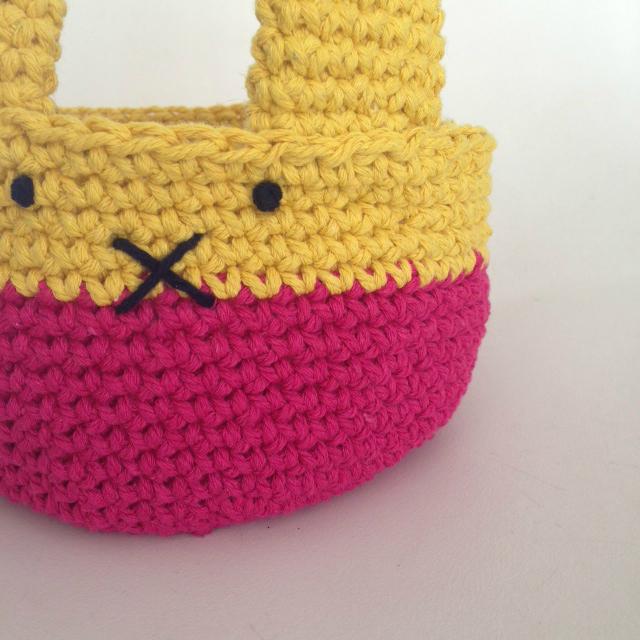 Bunny basket crochet